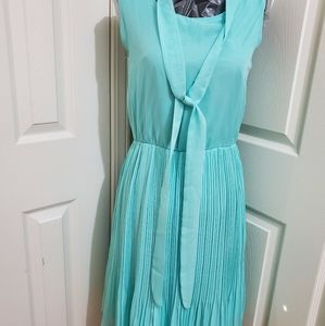 Dresses & Skirts - Mint green sleeveless dress